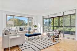 Photo of 72 Pondfield Road, Unit 3A, Bronxville, NY 10708 (MLS # 4836157)