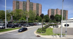 Photo of 1853 Central Pk. Avenue, Unit 7C, Yonkers, NY 10710 (MLS # 4851547)
