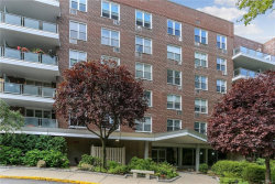 Photo of 222 Martling Avenue, Unit 2R, Tarrytown, NY 10591 (MLS # 5010820)