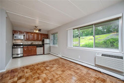 Photo of 370 Central Park Avenue, Unit 2T, Scarsdale, NY 10583 (MLS # 5016989)