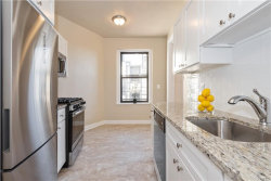 Photo of 31 West Pondfield Road, Unit 61, Bronxville, NY 10708 (MLS # 5123708)