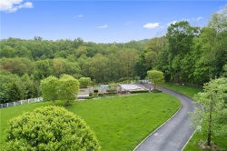 Photo of 1 Sutton Farm Drive, Chappaqua, NY 10514 (MLS # 4914817)