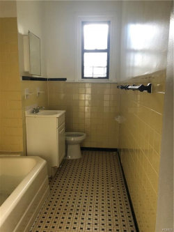 Photo of 1186 East tremont Avenue, Bronx, NY 10460 (MLS # 4854506)