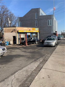 Photo of 235 East 233, Bronx, NY 10470 (MLS # 4906483)