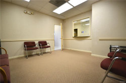 Photo of 970 North Broadway, Unit 302, Yonkers, NY 10701 (MLS # 4922069)