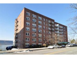 Photo of 709 Warburton Avenue, Unit 4H, Yonkers, NY 10701 (MLS # 4748041)