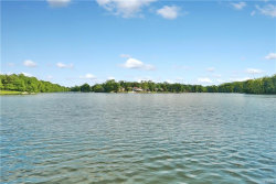 Photo of 81 Waterside Close, Eastchester, NY 10709 (MLS # 4854599)