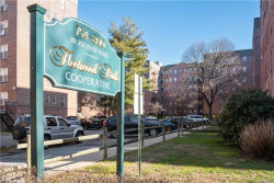 Photo of 800 Bronx River Road, Unit A63, Bronxville, NY 10708 (MLS # 6014300)