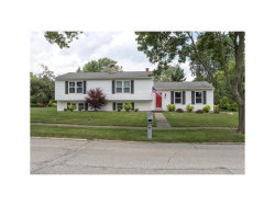 Photo of 39 Chelmsford Dr, Aurora, OH 44202 (MLS # 3924374)