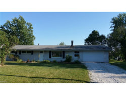 Photo of 1506 Saint Charles Dr, Streetsboro, OH 44241 (MLS # 3930180)
