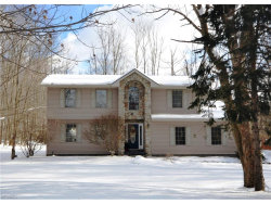 Photo of 18937 Rivers Edge Dr East, Chagrin Falls, OH 44023 (MLS # 3962815)