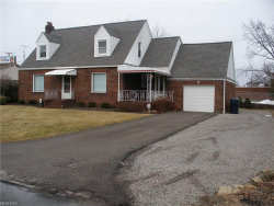 Photo of 645 Como St, Struthers, OH 44471 (MLS # 3968550)