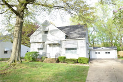 Photo of 5303 Robinhood Dr, Willoughby, OH 44094 (MLS # 3998920)