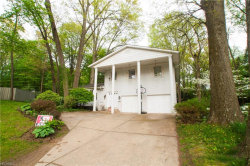 Photo of 323 Burr Oak Dr, Kent, OH 44240 (MLS # 3999790)