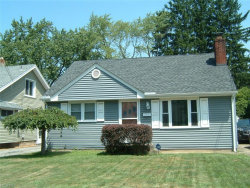 Photo of 86 Meadowbrook Ave, Youngstown, OH 44512 (MLS # 4018397)