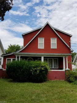 Photo of 830 Roxbury Ave, Youngstown, OH 44502 (MLS # 4021801)