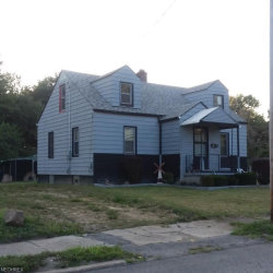 Photo of 588 12th St, Campbell, OH 44405 (MLS # 4042325)