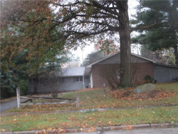 Photo of 4270 Parklawn Dr, Willoughby, OH 44094 (MLS # 4050759)