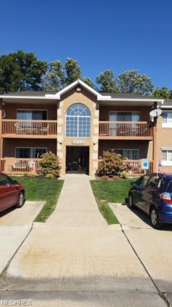 Photo of 10391 Glenway Dr, Unit 206, Twinsburg, OH 44087 (MLS # 4057444)