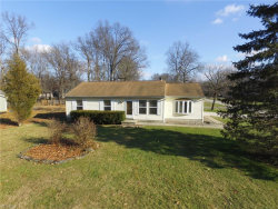 Photo of 18087 Hillcrest Dr, Lake Milton, OH 44429 (MLS # 4059936)