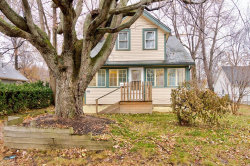 Photo of 950 Eaglewood Dr, Willoughby, OH 44094 (MLS # 4063289)
