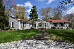 Photo of 6 Deerfield Dr, Chagrin Falls, OH 44022 (MLS # 4068149)
