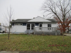 Photo of 4075 Kenneth Rd, Stow, OH 44224 (MLS # 4068404)