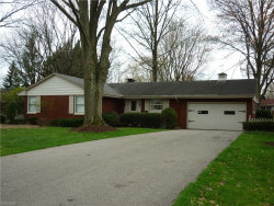 Photo of 225 Sleepy Hollow Dr, Canfield, OH 44406 (MLS # 4069229)