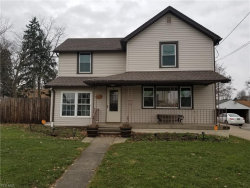 Photo of 105 Center St, Struthers, OH 44471 (MLS # 4072414)