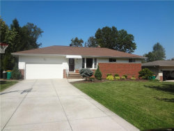 Photo of 567 Starlight Dr, Seven Hills, OH 44131 (MLS # 4135207)