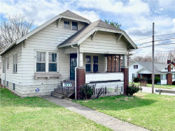 Photo of 203 East Avondale Ave, Youngstown, OH 44507 (MLS # 4137423)