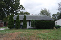Photo of 1049 Westwood Dr, Willoughby, OH 44094 (MLS # 4143860)