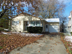 Photo of 1308 Ivanhoe Ave, Youngstown, OH 44502 (MLS # 4150196)