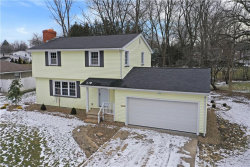 Photo of 2869 Algonquin Dr, Poland, OH 44514 (MLS # 4162560)