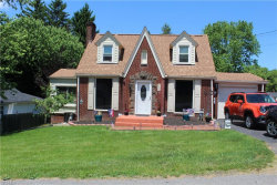 Photo of 735 Manor Ln, East Liverpool, OH 43920 (MLS # 4194530)