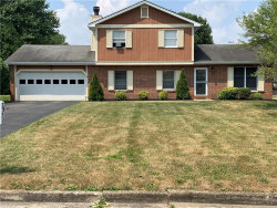Photo of 7571 Buchanan Dr, Youngstown, OH 44512 (MLS # 4204365)