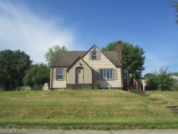 Photo of 16 Parkway St, Struthers, OH 44471 (MLS # 4216937)