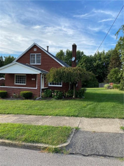 Photo of 608 Tenney Ave, Campbell, OH 44405 (MLS # 4217190)