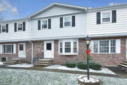 Photo of 2 East Carriage Dr, Chagrin Falls, OH 44022 (MLS # 4224903)