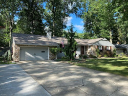 Photo of 360 Sleepy Hollow Dr, Canfield, OH 44406 (MLS # 4225654)