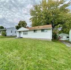 Photo of 940 Compton Ln, Youngstown, OH 44502 (MLS # 4231493)