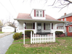 Photo of 826 Roxbury Ave, Youngstown, OH 44502 (MLS # 3990425)