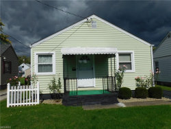 Photo of 830 Cambridge Ave, Youngstown, OH 44502 (MLS # 4051855)