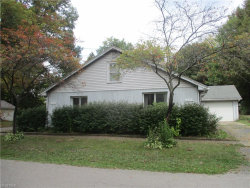 Photo of 1092-1094 Crown Ave, Ravenna, OH 44266 (MLS # 3946871)