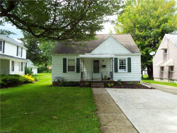Photo of 876 West Riddle Ave, Ravenna, OH 44266 (MLS # 4107842)