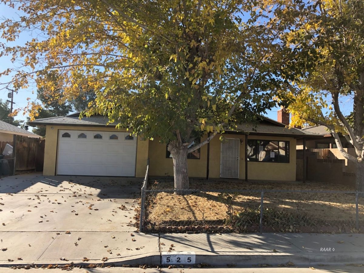 Photo for 525 W Joyner AVE, Ridgecrest, CA 93555 (MLS # 1956452)