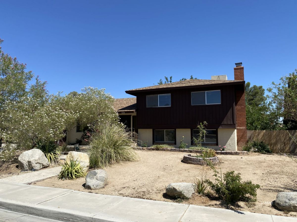Photo for 626 Weiman AVE, Ridgecrest, CA 93555 (MLS # 1957301)