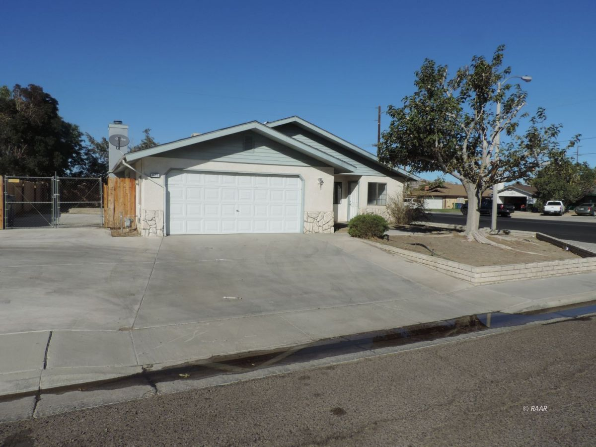 Photo for 832 Walker LN, Ridgecrest, CA 93555 (MLS # 1957473)