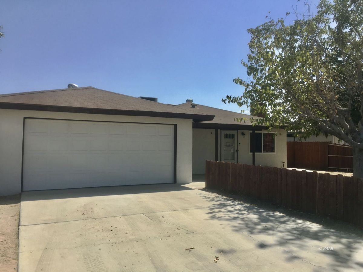 Photo for 340 S Lincoln ST, Ridgecrest, CA 93555 (MLS # 1957530)