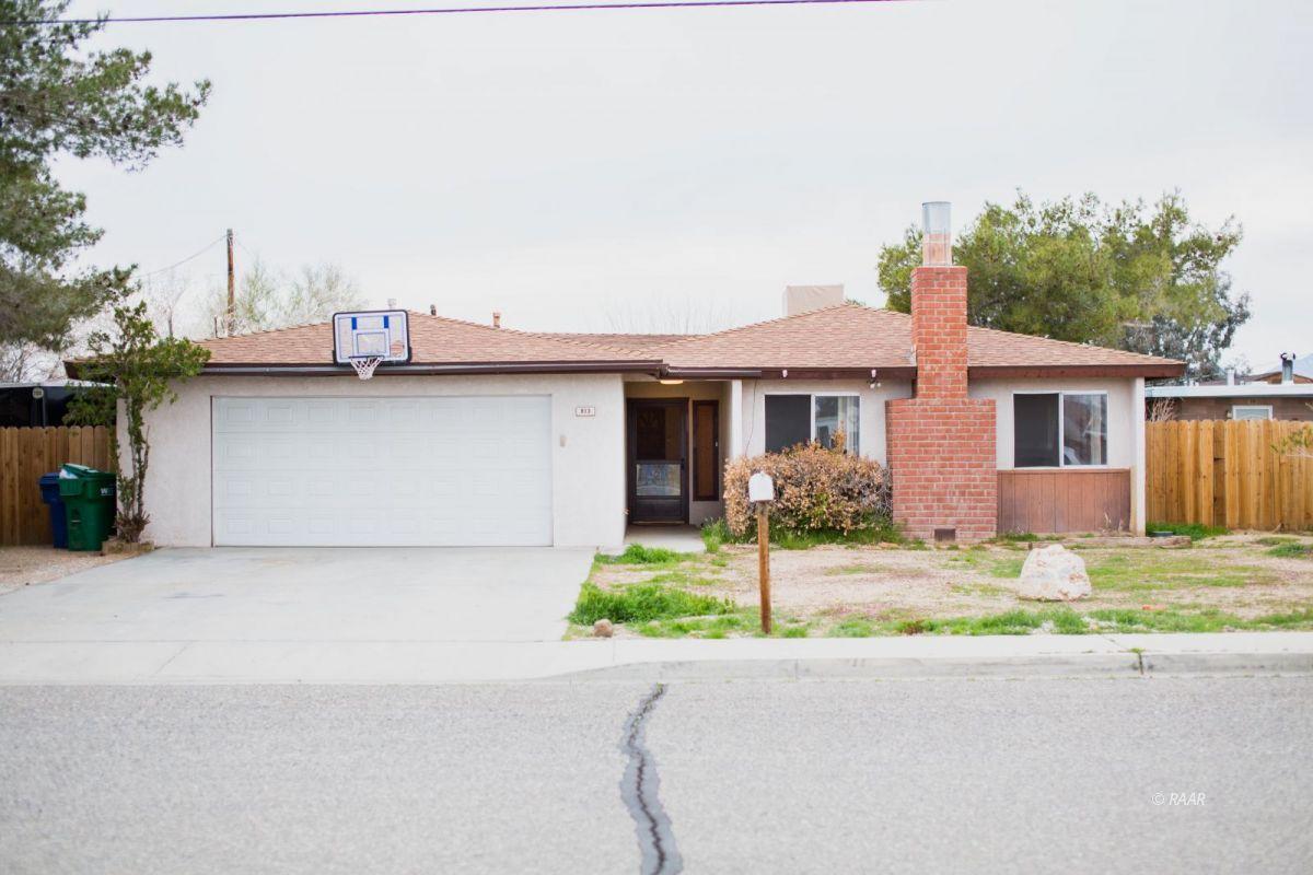 Photo for 813 S Allen ST, Ridgecrest, CA 93555 (MLS # 1957556)
